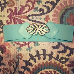 Urban Outfitters Leaf Buckle Stretch Belt